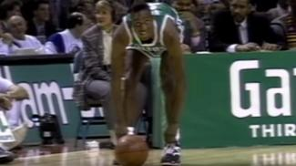 nba-all-star-throwback-dee-brown-pumps-up-the-slam-dunk-contest-1455128207